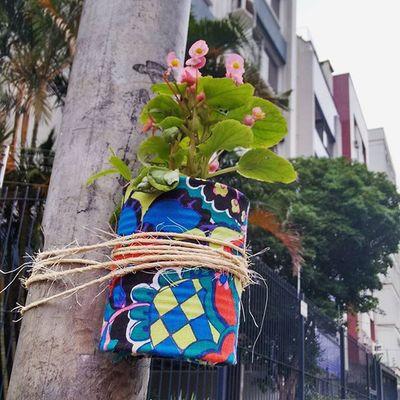 eu moro no bairro mais fofo. vlws flws. Obomdobomfim BomFim Poa Portoalegre  Bomdobomfim Intervençãourbana Flowers