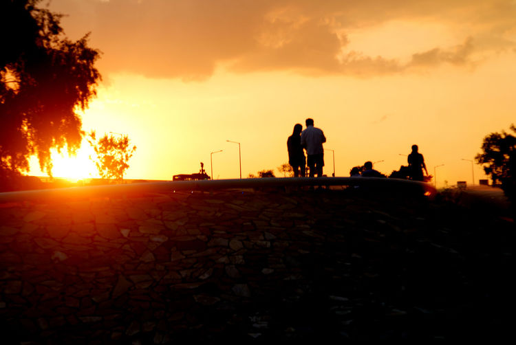 ♥ Cloud Cloud - Sky Couple Daily Life Life Medium Group Of People Nature Nikon Orange Color Outdoors Sky Sun Sunbeam Sunset 역광