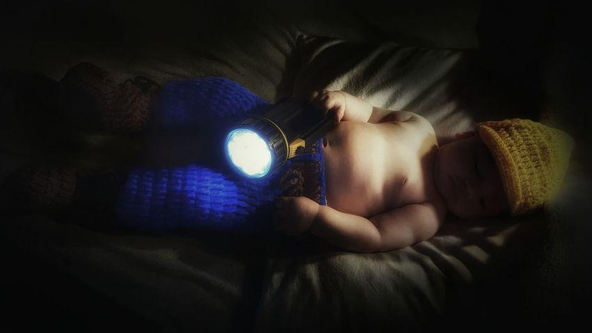 Babyboy Baby Baby Photo  Baby Photography Kid Child Toddler  Flashlight Byggarebob Cute Love Family Son