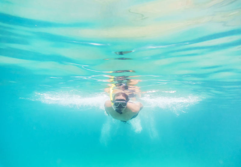 People Of The Oceans Snokeling Skin Diving Ocean Holiday Activity Vacatin Time Diving Turquoise Water Water Skin Buble Reflection Light Up Your Life Summer Snorkeling