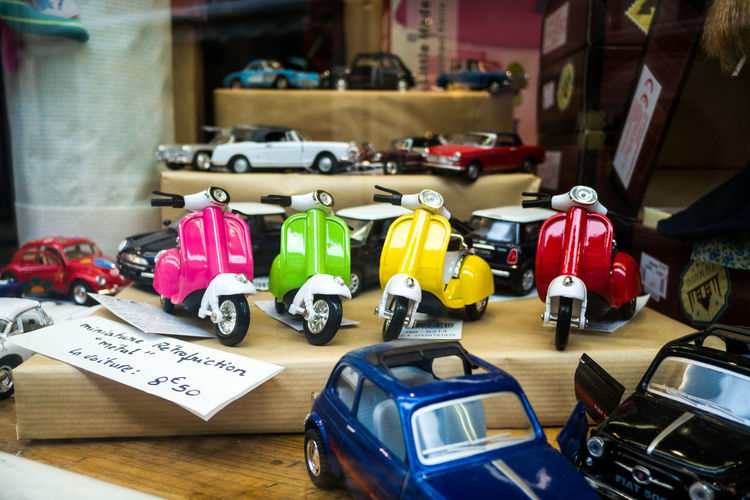 Toys Piagio Jouets Scooter Vitrine Showcase Colors Toys Couleurs