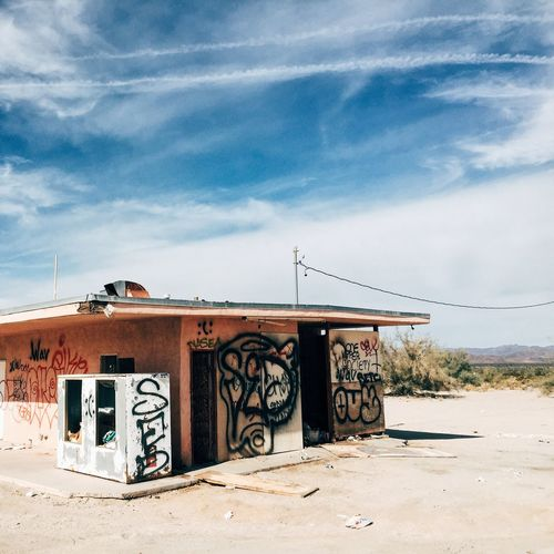 The other side of the Desert Center hamburger stand. Nothing lasts forever. Vscocam Beauty Of Decay Abandoned Buildings Abandoned Places Abandoned Other Desert Cities Deserts Around The World