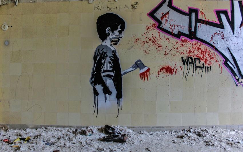 Axt Beelitz Heilstätten Beil Graffiti Trzoska Architecture Art And Craft Blood Blut Bone  Built Structure Creativity Human Representation Indoors  Skeleton Wall - Building Feature