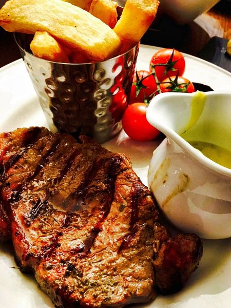 Dinner Dining Out Dinner Time Food And Drink Real Food Chips Close-up Day Eating Out Enjoying Life Food Food And Drink Foodphotography Freshness Healthy Eating Indoors  Meat No People Plate Ready-to-eat Real Life Real Life Photography Sauce Steak Steak Dinner Tomatoes