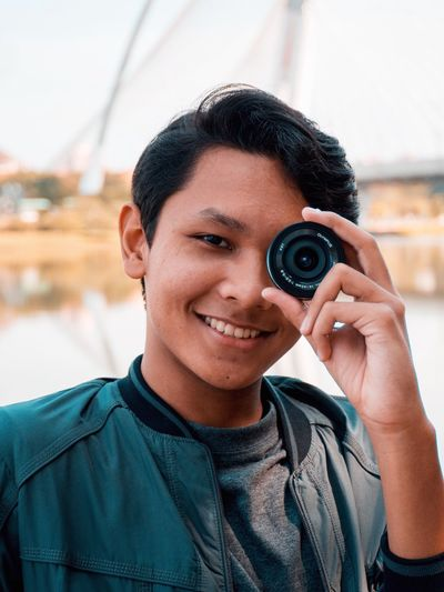 You don't need bigger eyes to see the kindness of people around you.You just need bigger heart Spreadkindness 14mm Lens Potrait Bridge Putrajaya Malaysia Lake The Portraitist - 2017 EyeEm Awards