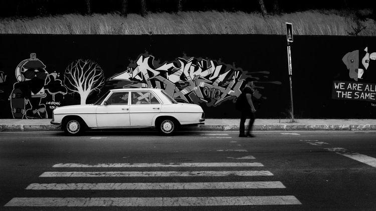 Car Taking Photos Blackandwhite Graffiti Human Mercedes Istanbul Ytü Hello World Street Photography