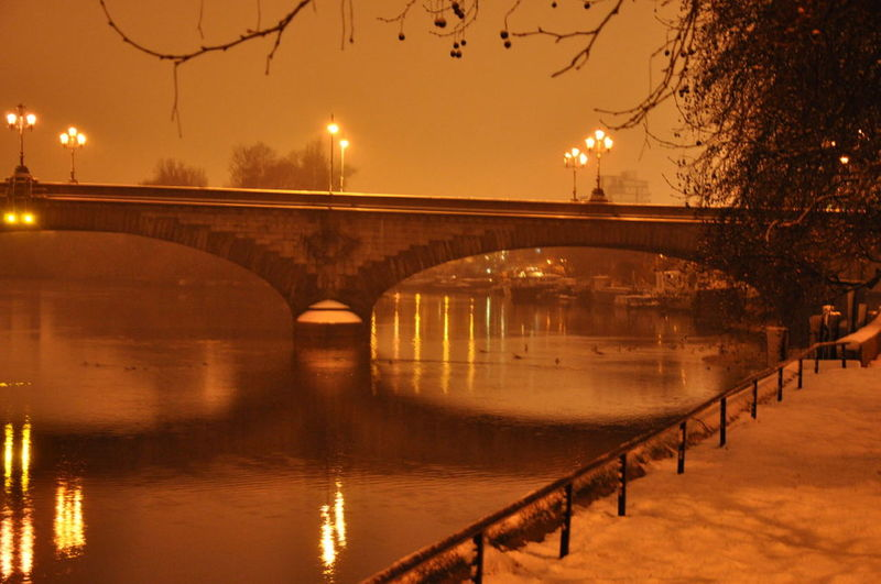 Snow At Night Kew Bridge Kew Bridge In Snow At Night