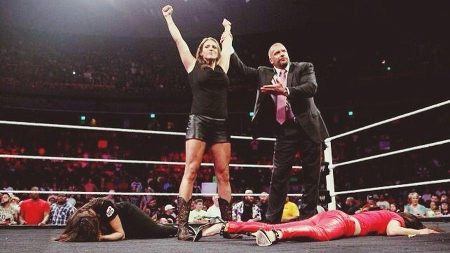 YES! YES! Summerslam baby! WWE RAW Teamstephanie Thebilliondollarprincess