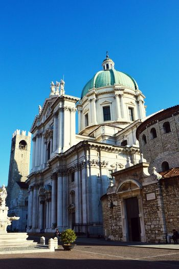 Alley Alleyway Architecture Brescia Brescia 2 Brescia Cathedral Brescia Dome Brescia Duomo Brescia Loggia Brescia My Love Brescia, Italy Brescia_foto Bresciatoday Bresciatrip Cathedral Day Italia Italy Italy❤️ Italy🇮🇹 Loggia Lombardy No People Outdoors Piazza Della Loggia