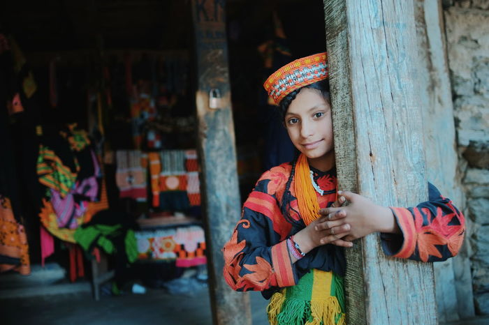 Potrait of Kalash girl at the Bumburet Valley in Chitral, Pakistan. Kalash Girls Tribe Chitral Pakistan People Culture