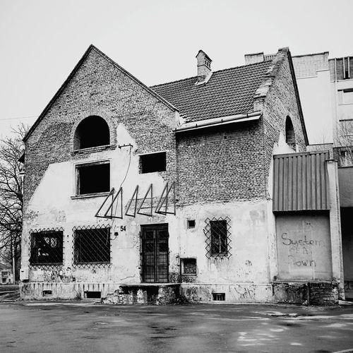 VSCO House Forgotten Urban Blackandwhite Lvivgram Lviv Oldhouse Monochrome Systemofadown