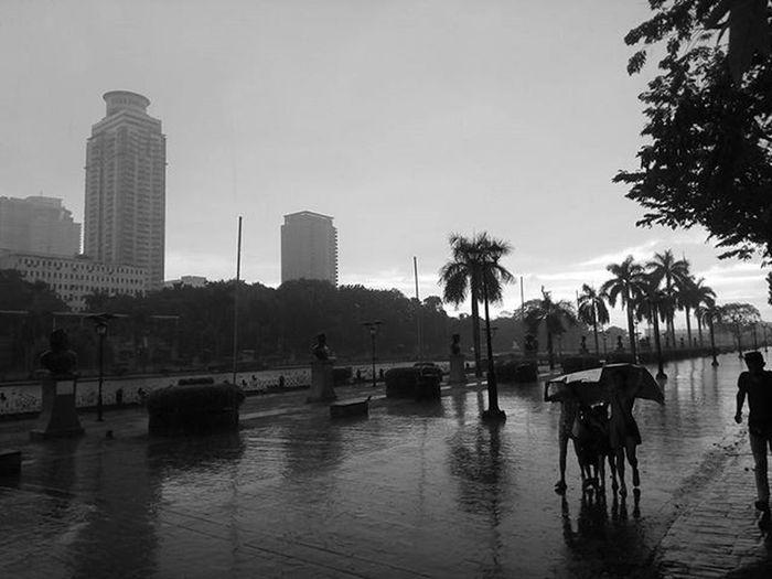 Wet Luneta Blackandwhite Monochrome Mobigraphy Streetphotography Manila Philippines Flash² PhotobyFlash Letsmobigraph Flashview FlashPilipinas FlashPhilippines Eyeem Philippines The Street Photographer - 2016 EyeEm Awards