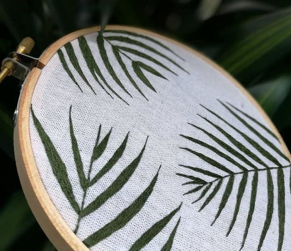 🌿🌿🌿 Pakapornchan Embroidery Handembroidery Embroidered Embroiderywork Handembroidery Craft Leaf Leaves Wallbanner Wallhanging Walldecoration WallDecor Decoration Decor Decoration Apartmentdecore Natural Greenery Leaf