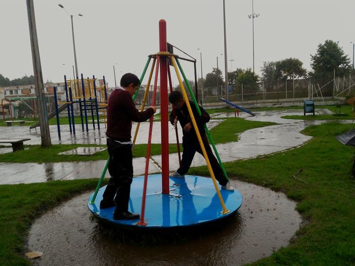 Water Outdoors Playing Rainy Days Rain Fun Kids Standing Safety Movilgrafias Movil