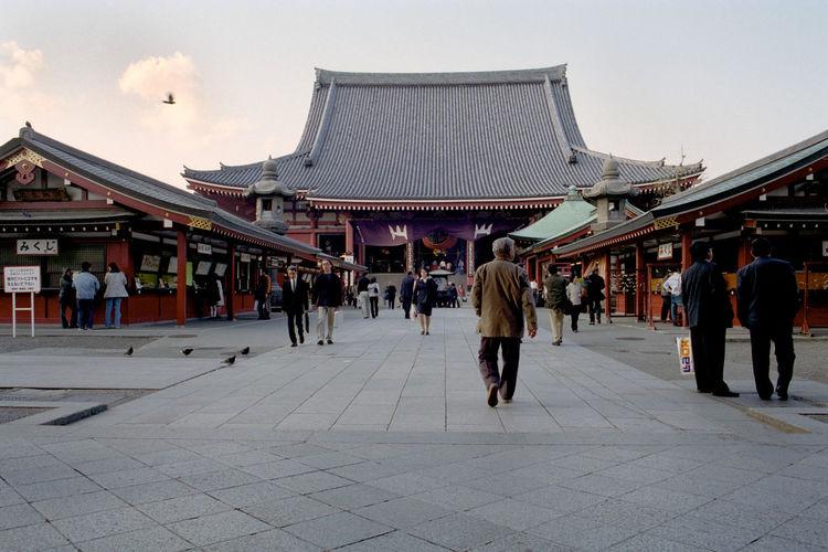 Asakusa, Tokyo, Japan KannonTemple Tokyo Tokyo,Japan Asakusa Kannon Temple Asakusa Sensoji Temple Daylight People Walking  Temple Temple - Building