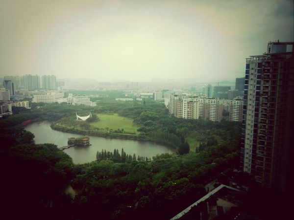 台风即将到来,暴风雨来前也许都是风平浪静