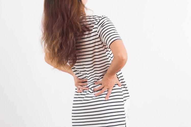 Pain Shoulder Pain Adult Backache Health People Standing Studio Shot Young Women กริยา Have A Backache
