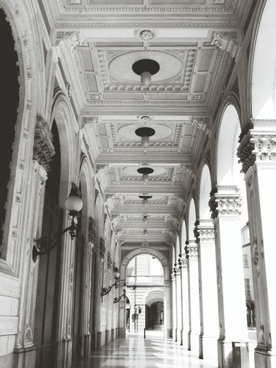 L'equilibrio delle forme Soffitto Taking Photos Visiting Portici_di_bologna Trip Relaxing Monochrome Architecture