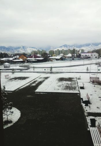 Snowagain?! Damn!!!