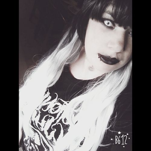 MotionlessInWhite Chrismotionless Rickyhorror Devinsola JoshBalz Ryan Gothic Goth Gothchick Metalhead Ugly Contects Wig Ugly Face Depression Suicide