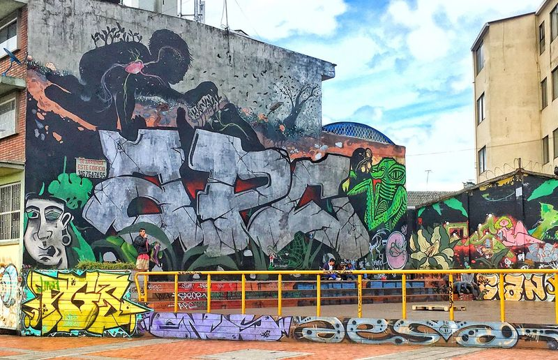 Graffiti Graffiti Art And Craft Built Structure Building Exterior Day Architecture Multi Colored Street Art Outdoors Sky No People
