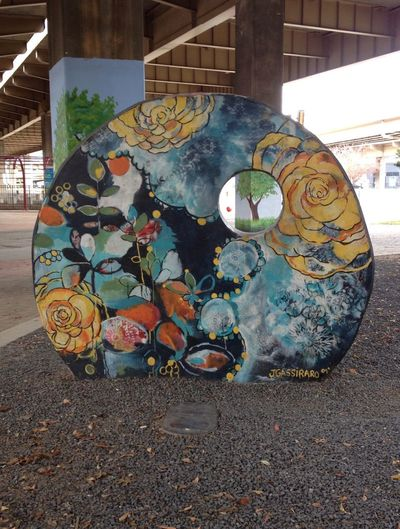 Dallas-Streetart Crazy Art Love this one... Love flowers!!