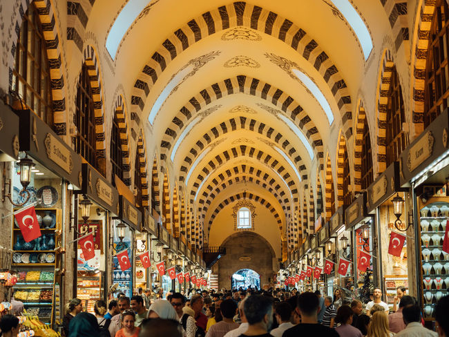 Business Busy Istanbul Market Retail Therapy Shopping Shopping Paradise Travel Turkey Arch Bazzar Buying Crowd Crowded Place Grand Bazaar Grand Bazar Istanbul Group Of People Happening Large Group Of People Leisure Activity Lifestyles Local Market Retail Place Selling Walking