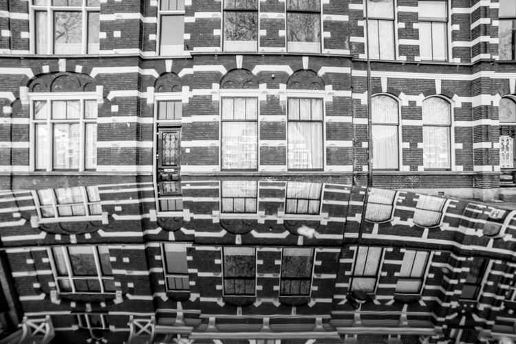 Architecture reflection pattern Architecture Built Structure Building Exterior Full Frame No People Building Backgrounds Window Large Group Of Objects Book Education Shelf Pattern Bookshelf Glass - Material City Residential District Publication Seat Repetition Modern Apartment