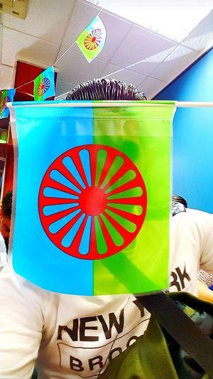 vamos a romper barreras Errante Xenofobía Racismo Rechazo Pueblo Gitano Orgullo Barrera Bandera Banderas Costumbres Gypsy Calo Personal Perspective Union Politics And Government Multi Colored Flag