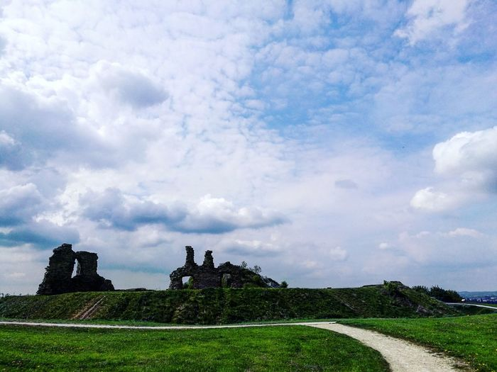 Castle on the hill. Cloud - Sky Outdoors Day No People Travel Destinations Sky Beauty In Nature Nature Castle Castle Ruin Tranquility Country Walks Countryside Uk Colorful Tranquil Scene Vacations Freshness Scenics Landscape Beauty In Nature Rural Scene Field Building Exterior Architecture Old Ruin