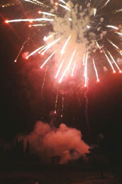 Firework Fireworks Hanging Out Summer Red Sky Hill Night Awesome Fuochi D'artificio  Italy Tuscany Check This Out Sunday Holiday