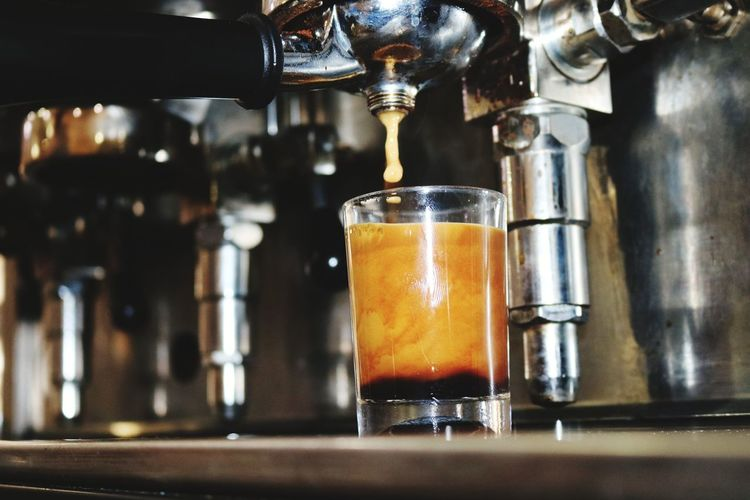 Coffee Craft Beer Drink Alcohol Brewery Drinking Glass Espresso Maker Filling Quality Preparation  Close-up Coffee Maker Coffee Pot Ground Coffee