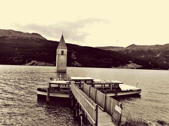 Lago Di Resia (Reschensee) Curon Venosta Campanile Diga Alto Adige Südtirol Passo Resia Val Venosta Molo Battello Acqua Wasser Italia Italiy Anni 50 First Eyeem Photo Heimat Casamia Libertá