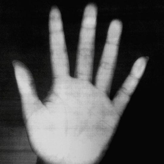 '✋' Hand Blackandwhite