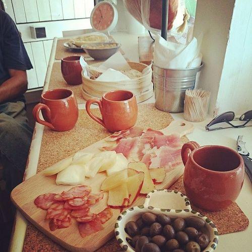 Bordaleira sabores da Serra da Estrela junto ao Portugal dos Pequenitos em Coimbra Bordaleira Coimbra Saboresdeportugal Portugal Queijo Serradaestrela Celoricodabeira Sabores