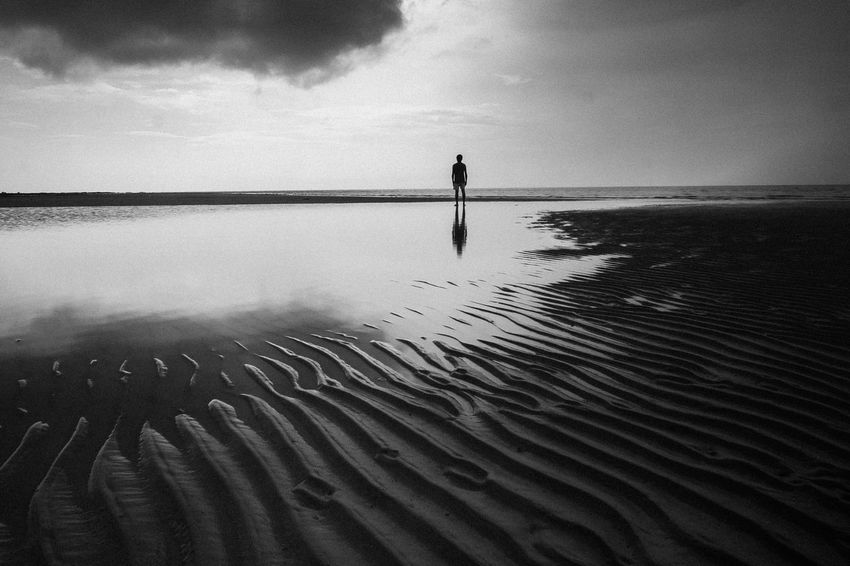 Lost in paradise Eyeem Philippines Travel Destinations Alone In The World One Person EyeEm New Here One Man Only The Week On EyeEm Landscape Blackandwhite Only Men Lost In The Landscape EyeEm Ready