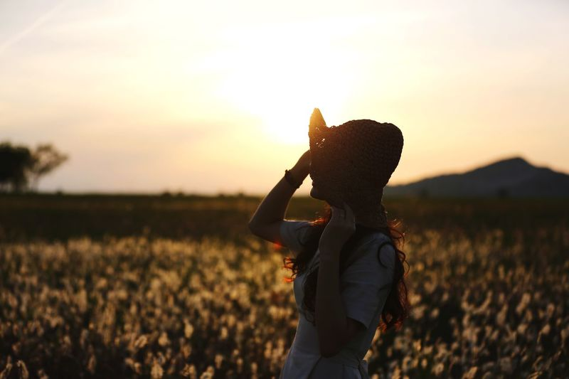 Beutiful  Real People Sky Field Land One Person Sunset Lifestyles Beauty In Nature Women Nature Landscape