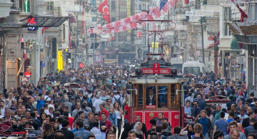 Istiklal Caddesi Istanbul People Istanbul Turkey Turkey Beyoğlu Tram Taksim Türkei