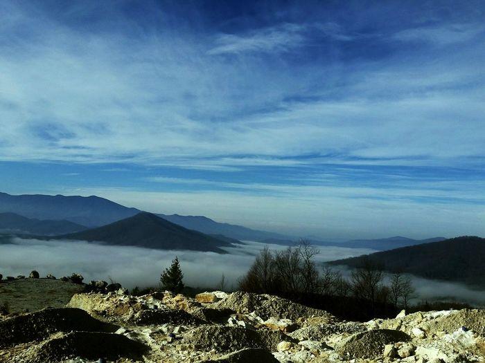 Check This Out Mountain Range Foggy Morning Mountain View