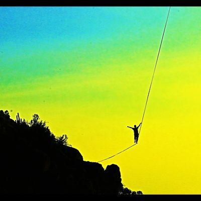 Slackline, Llegando al Final. Slackline, Llegando Al Final. Slackline Sunset Highline Longline Bosque Magico Slackvida Santiago En El Aire Equilibrio Exposicion Giros Slaker Caida Caminata Slacklife Walking Clouds Nature Sky Exposition Landscape Panoramic Air