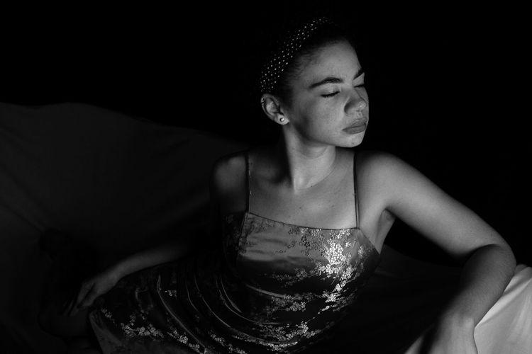 Jewel. One Person One Young Woman Only Indoors  Blackgirl Blackgirlmagic Jamaican Girl  Jamaica Jamaicanphotographer Portrait Noirphotography Black Background Studio Shot Afronoir EyeEmNewHere