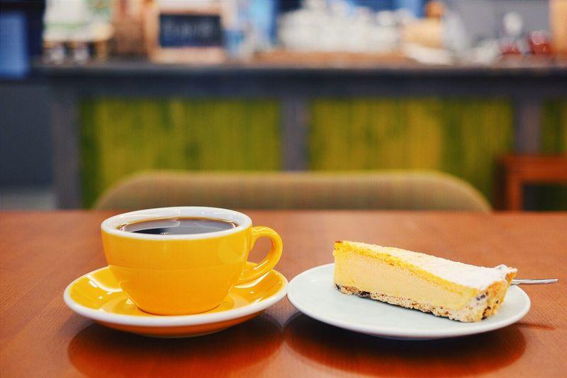 純淨甘甜的日曬耶加,雪糕般的檸檬派,在這炙熱的天氣下讓人舒服地不想離開! Coffee Yirgacheffe Lemon Pie