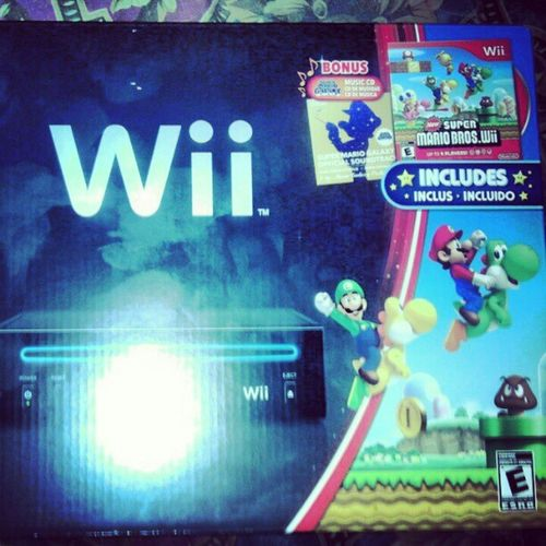 Finally got my Black Wii with Supermario with it =D Sohappytoplay
