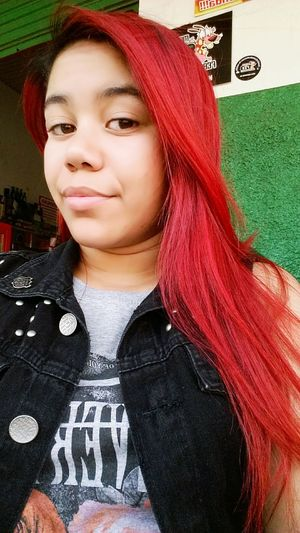 Relaxing That's Me Red Hair Brazil - Ms Nova Andradina Tomando Cerveja Heineken