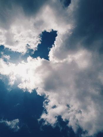 하늘 ☁☁☁☁☁☁ Hello World Relaxing Hanging Out Photooftheday Photography Nothingisordinary Lovephotography  Ipostprecious Outdoor Photography Scenicphotography Sky And Clouds Viewmatic Lovelyday Artphotography