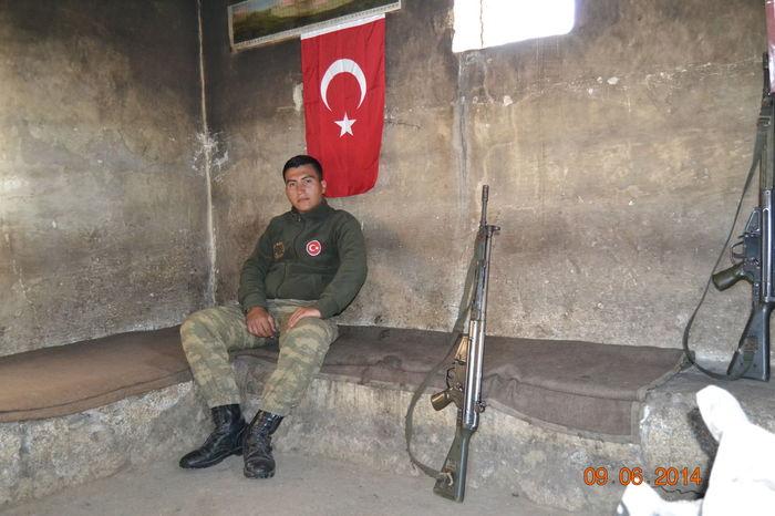 Vatansanacanımfeda şehitler ölmez Vatan Bölünmez Country Turkey Türkiye Ne Mutlu Türk'üm Diyene ! Popular Photos People Bir ölürüz, Bin Geliriz! Turkish Flag Lifestyles Portrait