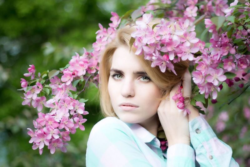 Hello World Enjoying Life Have A Nice Day♥ Beautiful Spring Flowers People Watching Flowers Portret Photo Very Beautiful Pink!