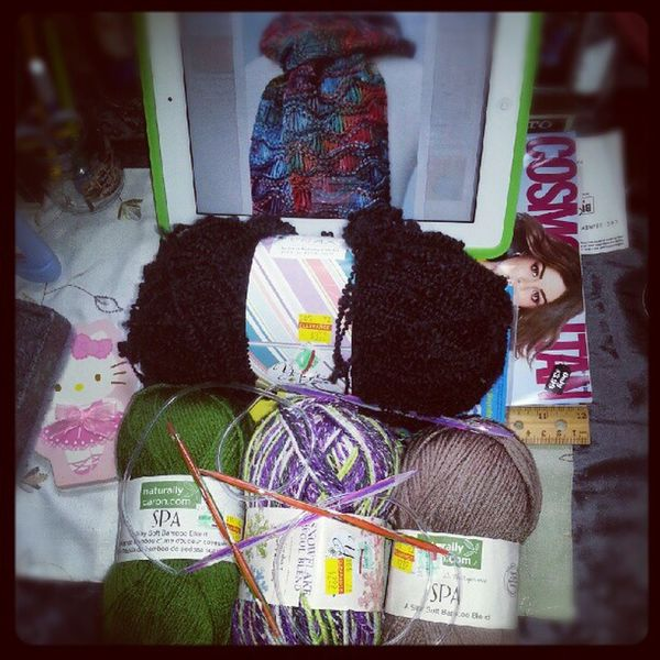 I have a yarn problem.. atleast they were on sale. Yarnaholic Ipad3 Circularneedles Knitter new