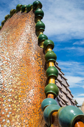 Lomo de reptil Architecture Art And Craft Built Structure Green Color Low Angle View Multi Colored Reptil Reptile World