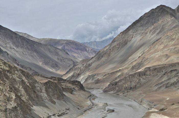 Colors India Meeting Zanskar  Indus River Landscape Mountain Rivers
